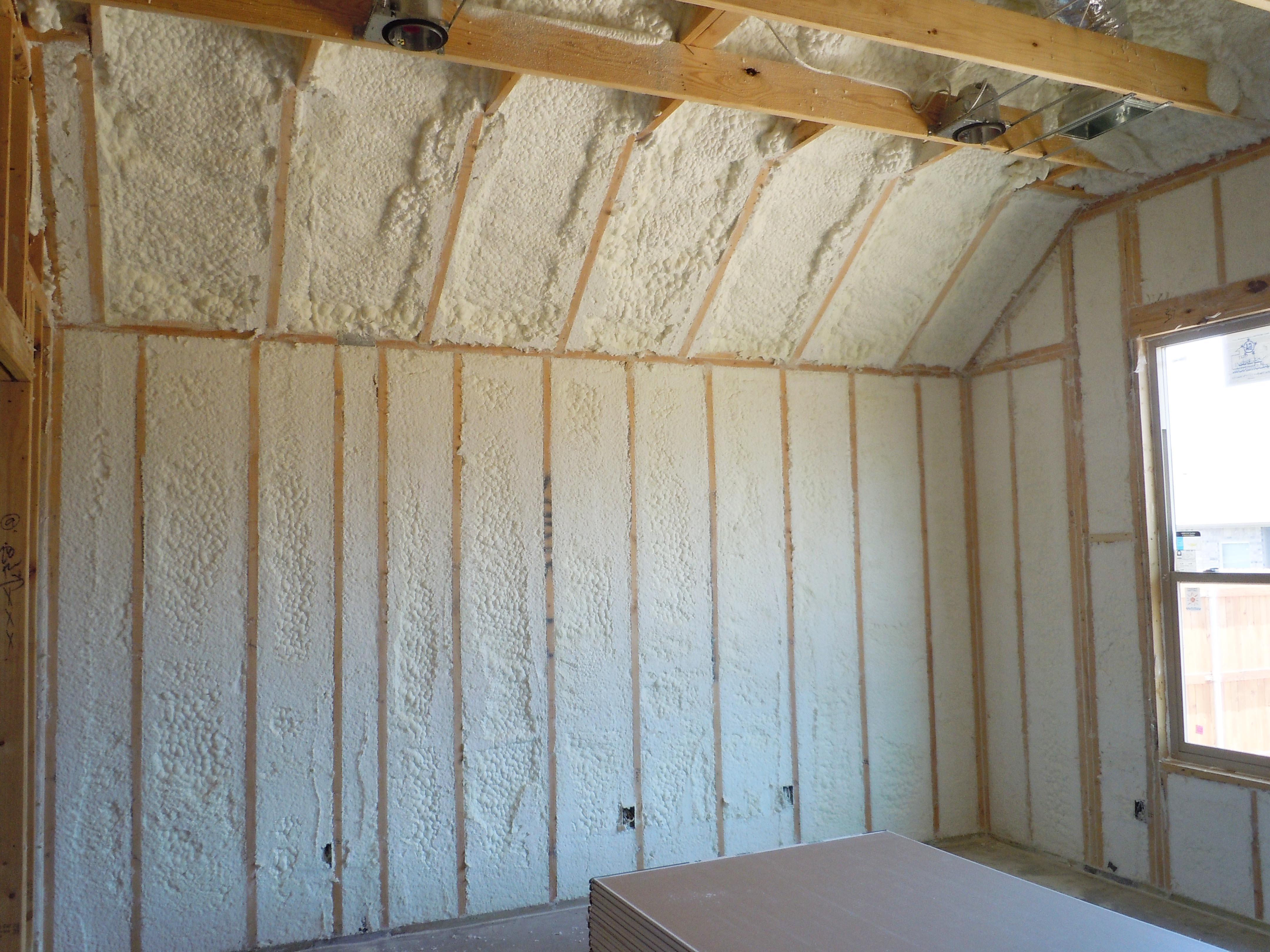 Как утеплить стены в квартире изнутри своими руками дешево 70