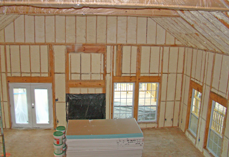 Residential foam insulation foam tech for Best insulation for new home construction